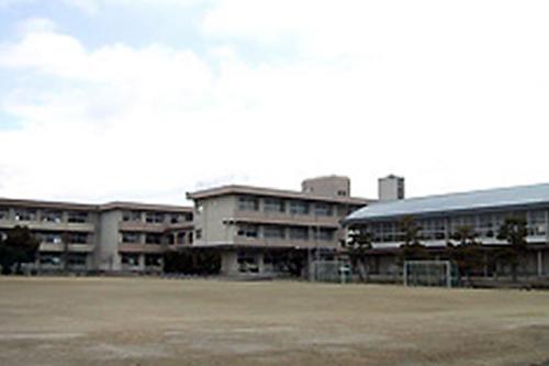 興除中学校